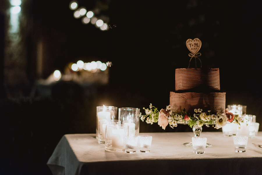 intimate wedding in Tuscany alfresco dinner