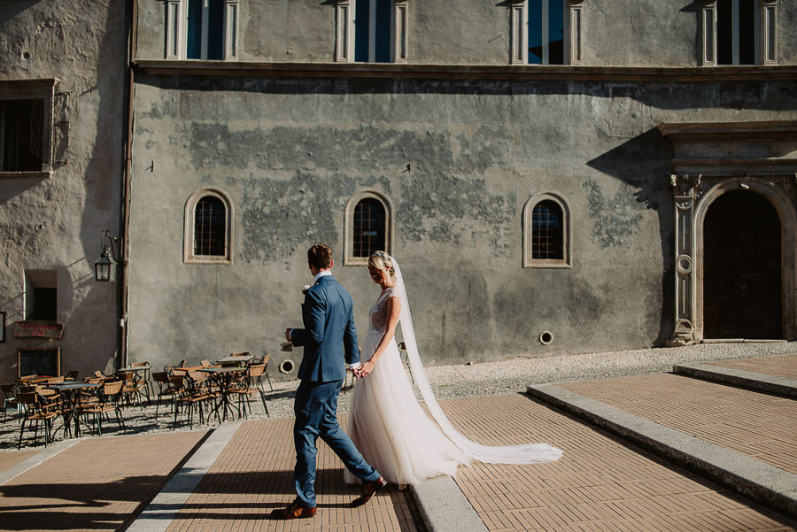 luxury wedding photographer umbria italy outdoor brunch