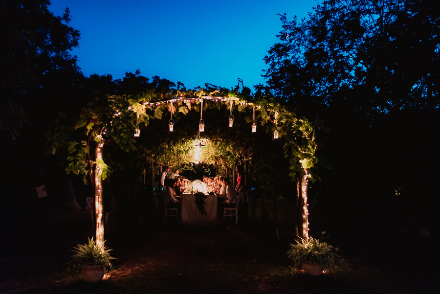 luxury wedding photographer umbria italy outdoor dinner decors