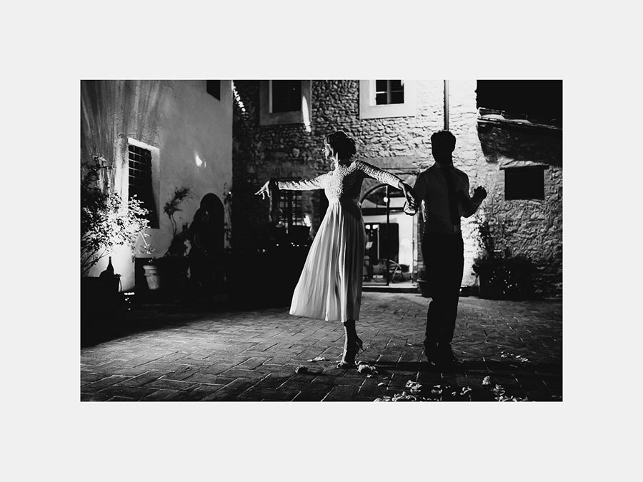 fairytale wedding italy umbria borgo della marmotta romantic fi