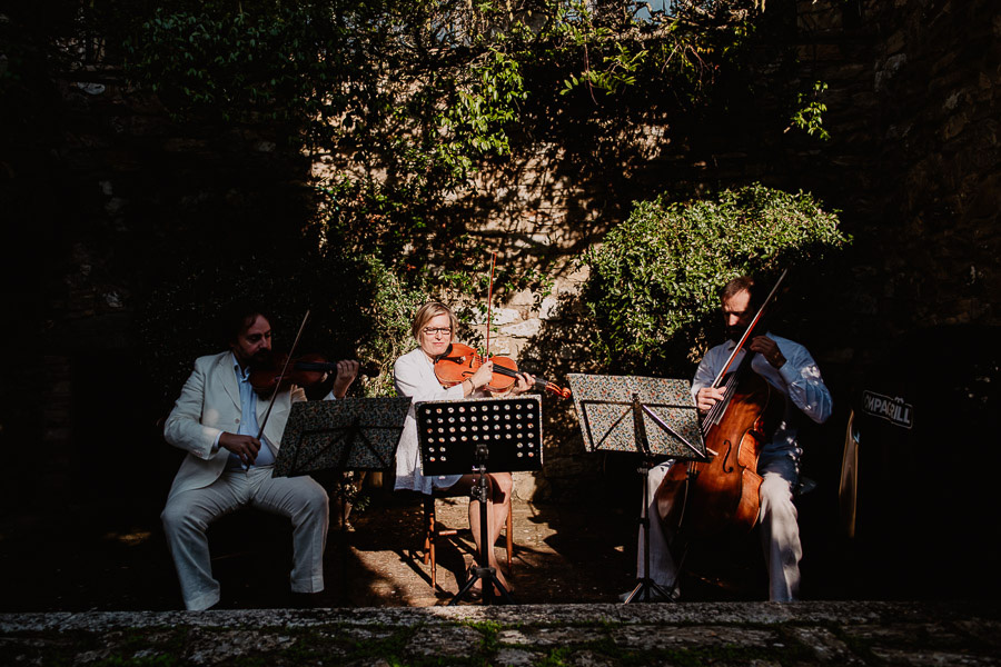 Exclusive wedding photographer tuscany italy outdoor apetitif