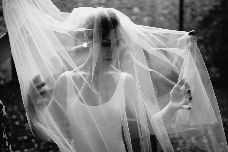 Exclusive wedding photographer tuscany italy bride ines di santo