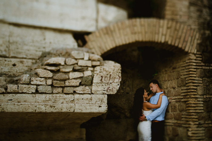wedding photographer rome engagement session lungotevere