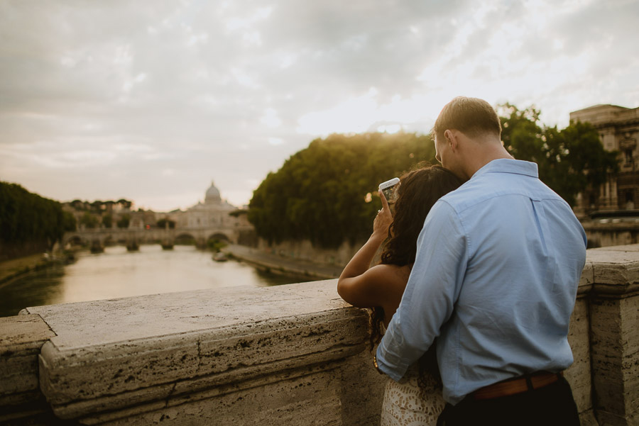 wedding photographer rome romantic couple session vaticano