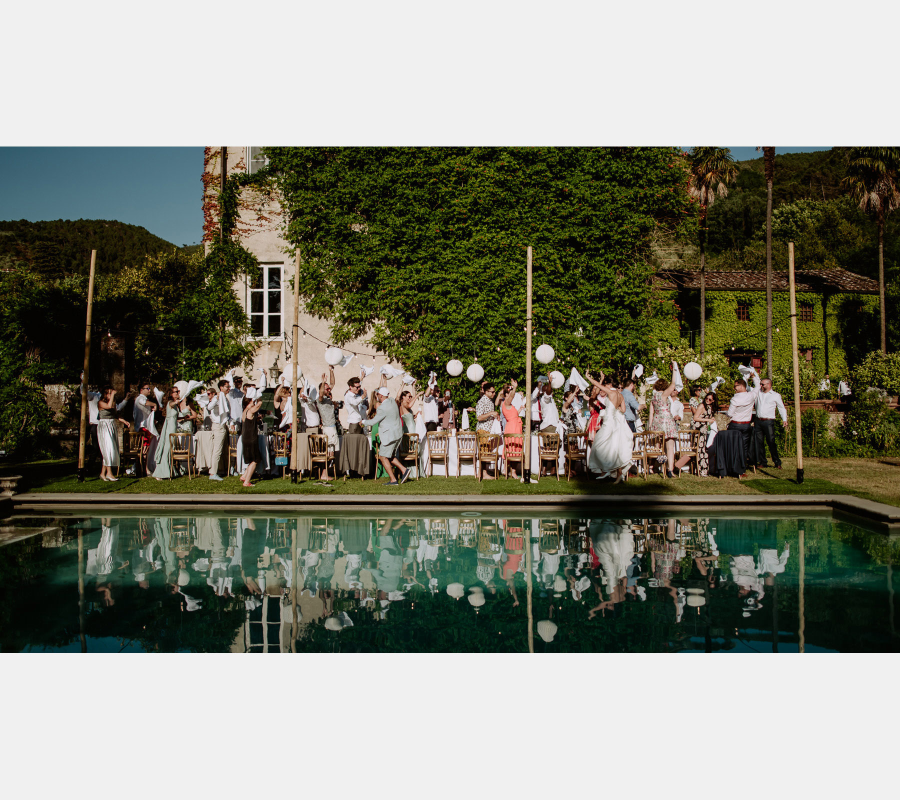 creative wedding photographer tuscany first dance rock