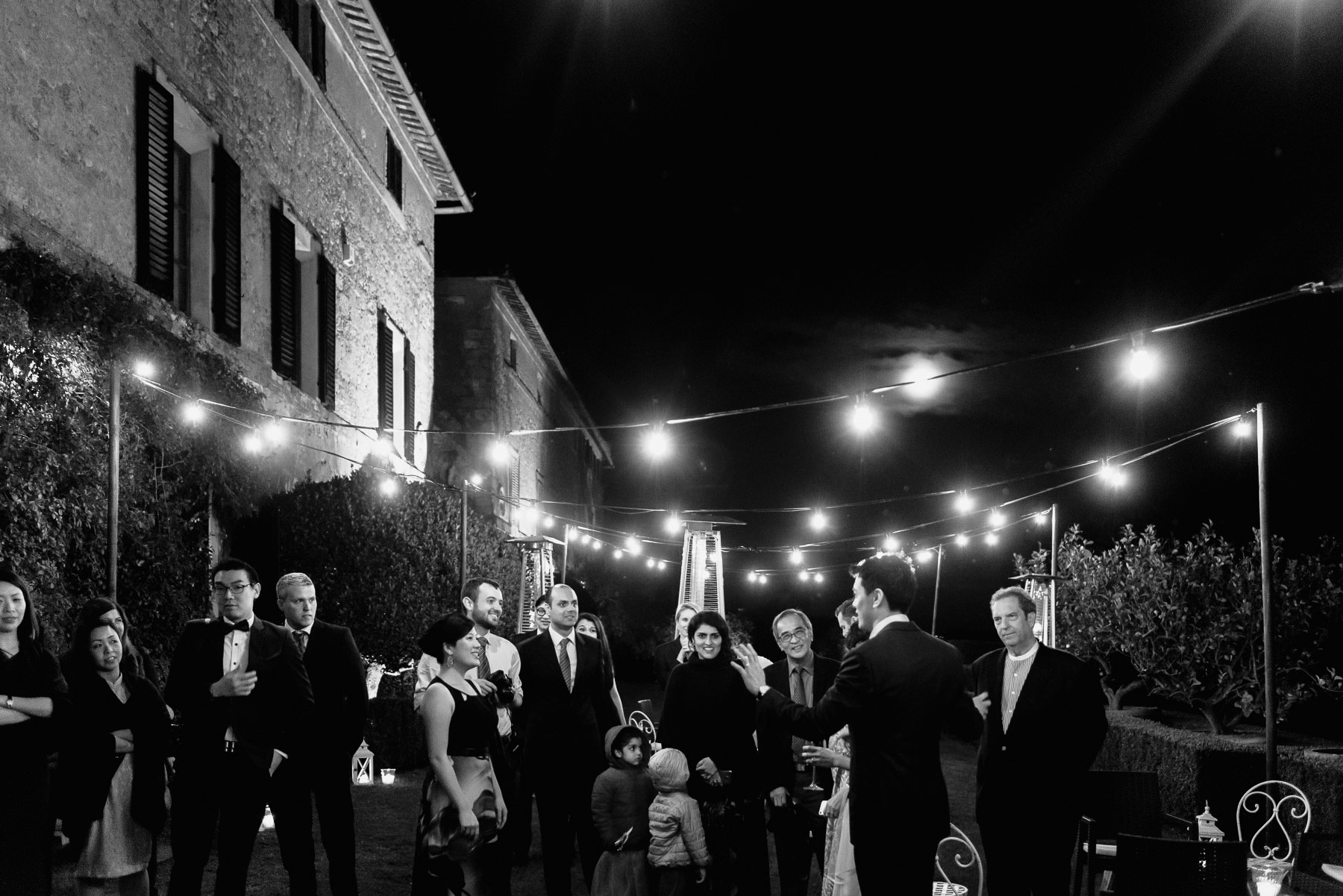 intimate wedding in Tuscany Italy Borgo Stomennano evening intim