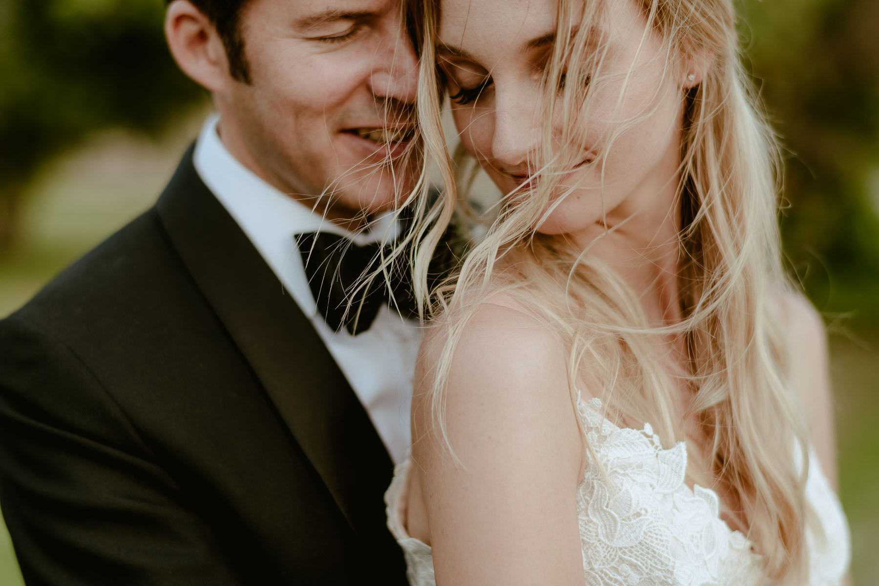 Siena wedding photographer borgo scopeto creative modern bride