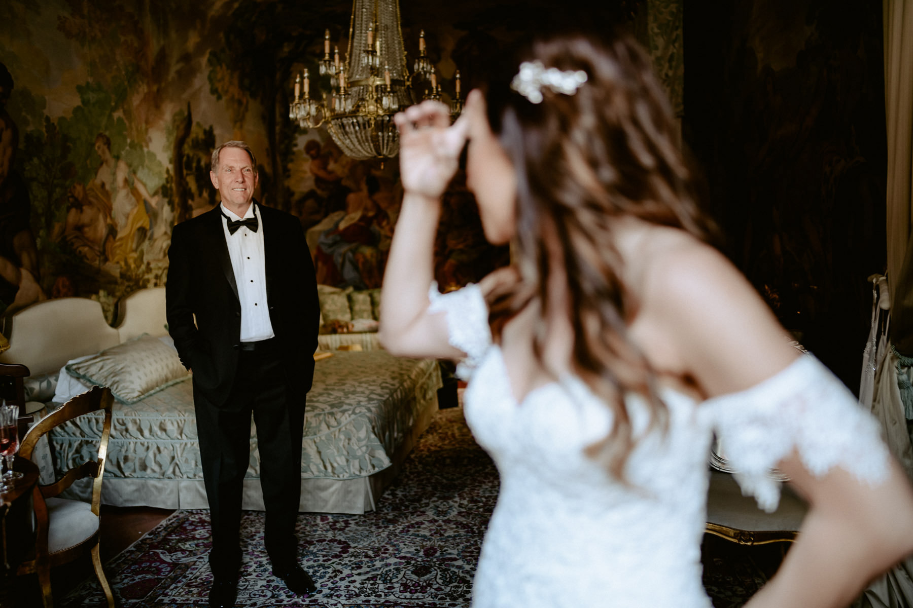 Elegant wedding in Florence piazza pitti palace bride bridesmaid