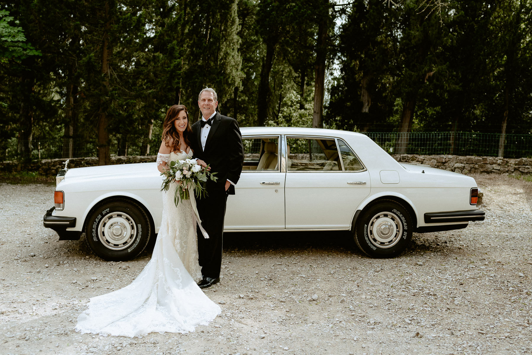 Timeless wedding in Florence Tuscany travel vincigliata castle b