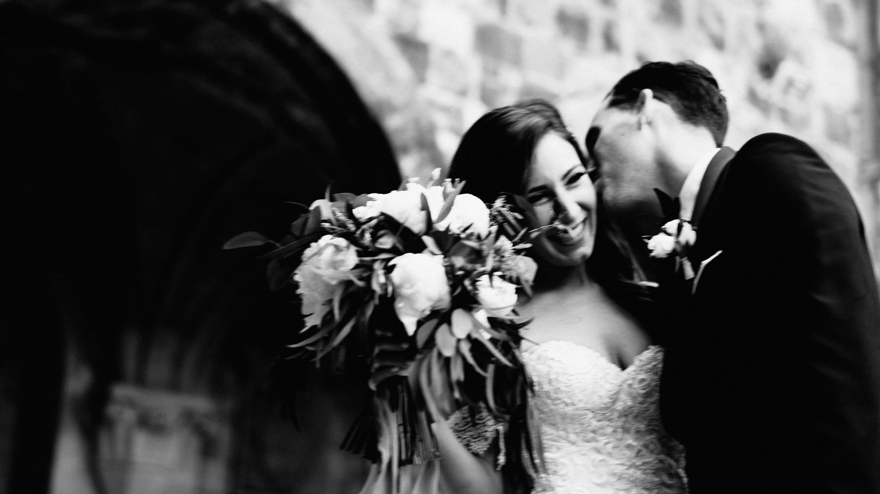 Timeless touching wedding in Florence Tuscany vincigliata castle