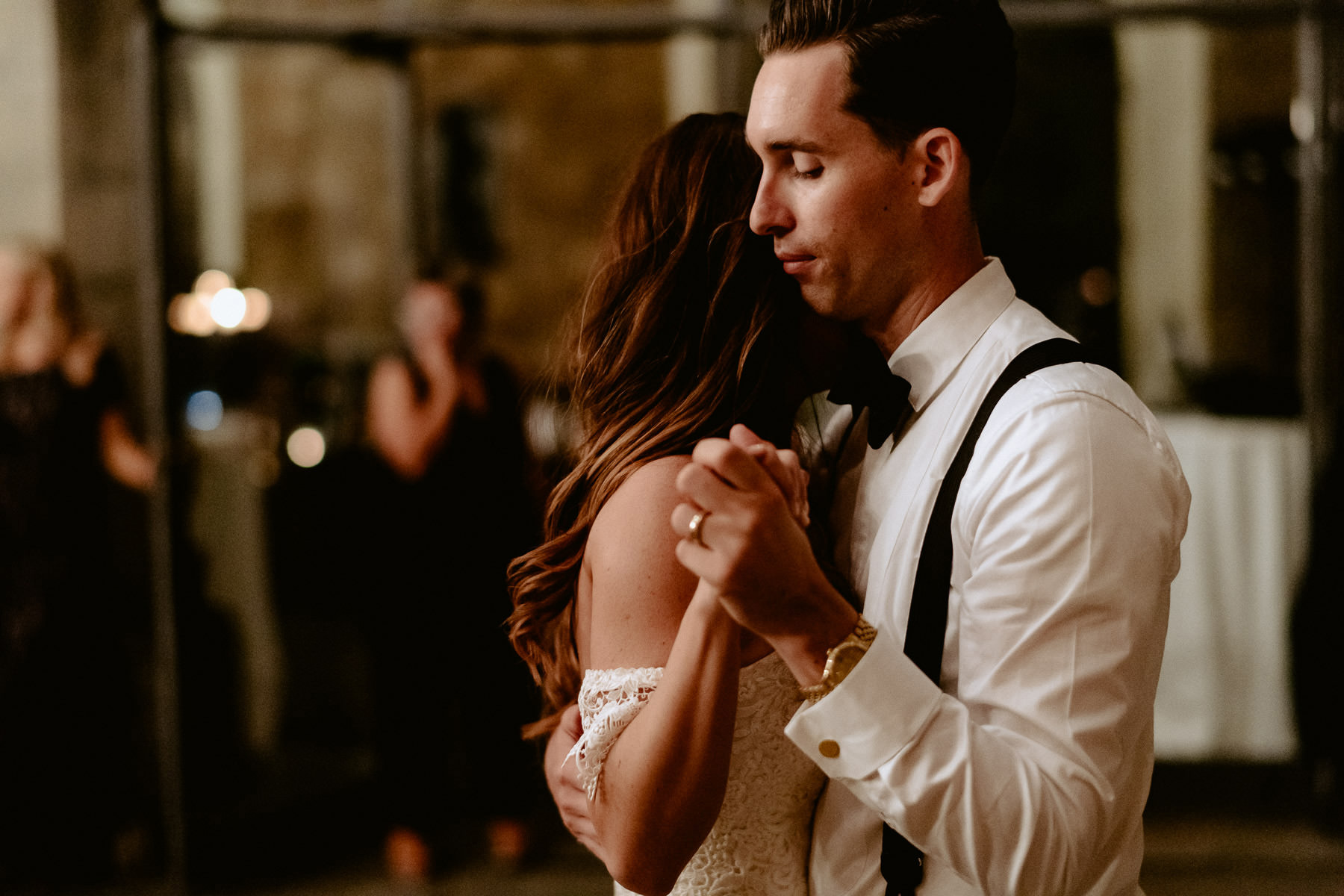 Timeless wedding in Florence Tuscany vincigliata castle danceflo