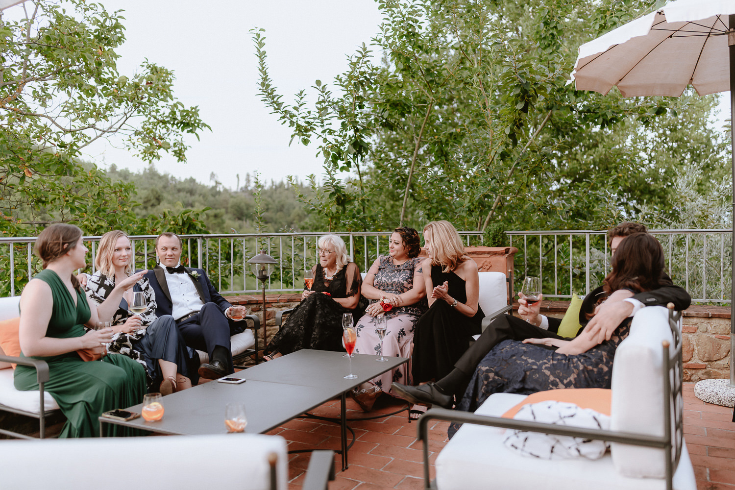 intimate wedding private villa tuscany photographer cocktail and aperitif