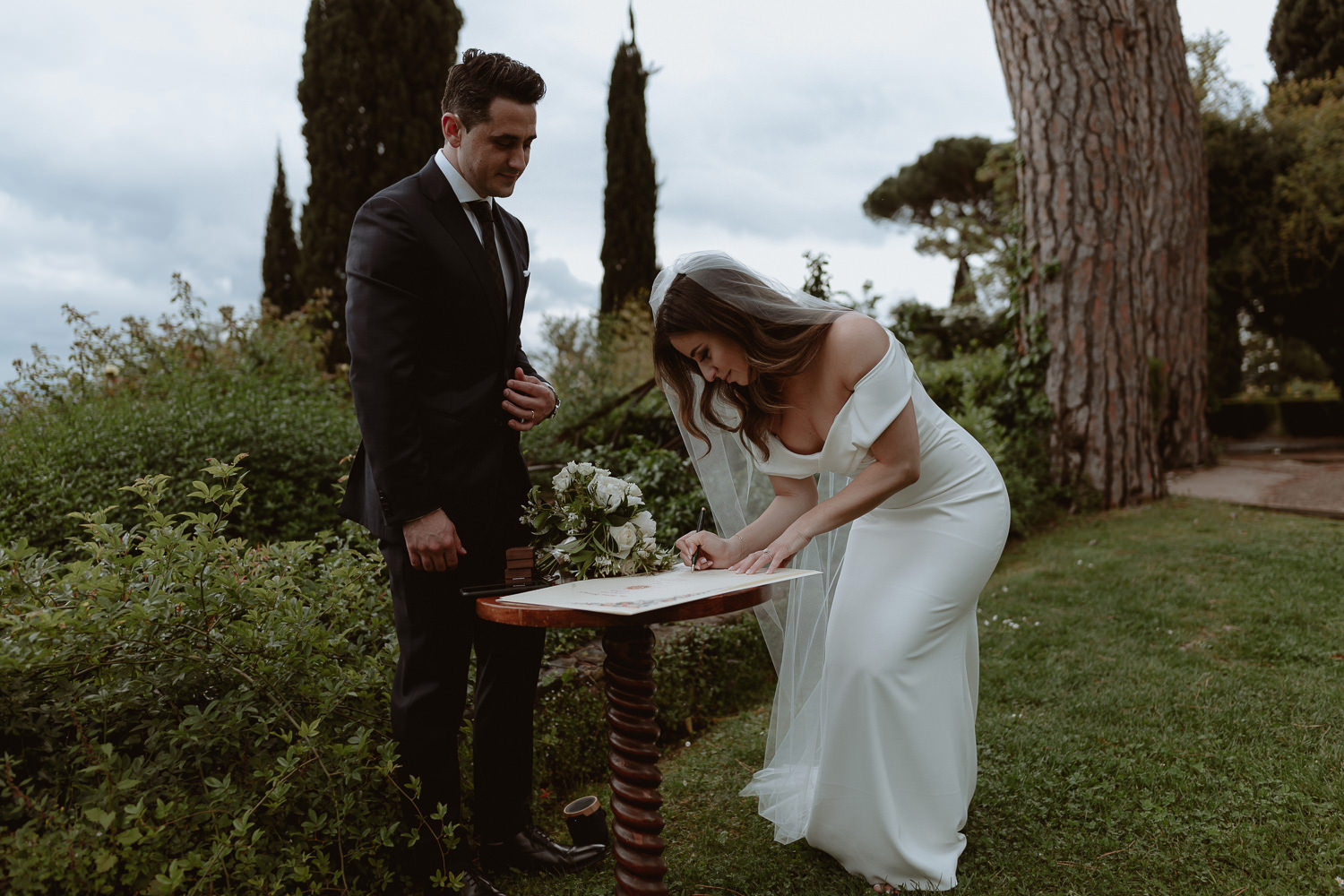 elopement photographer florence torre bellosguardo intimate wedding ceremony