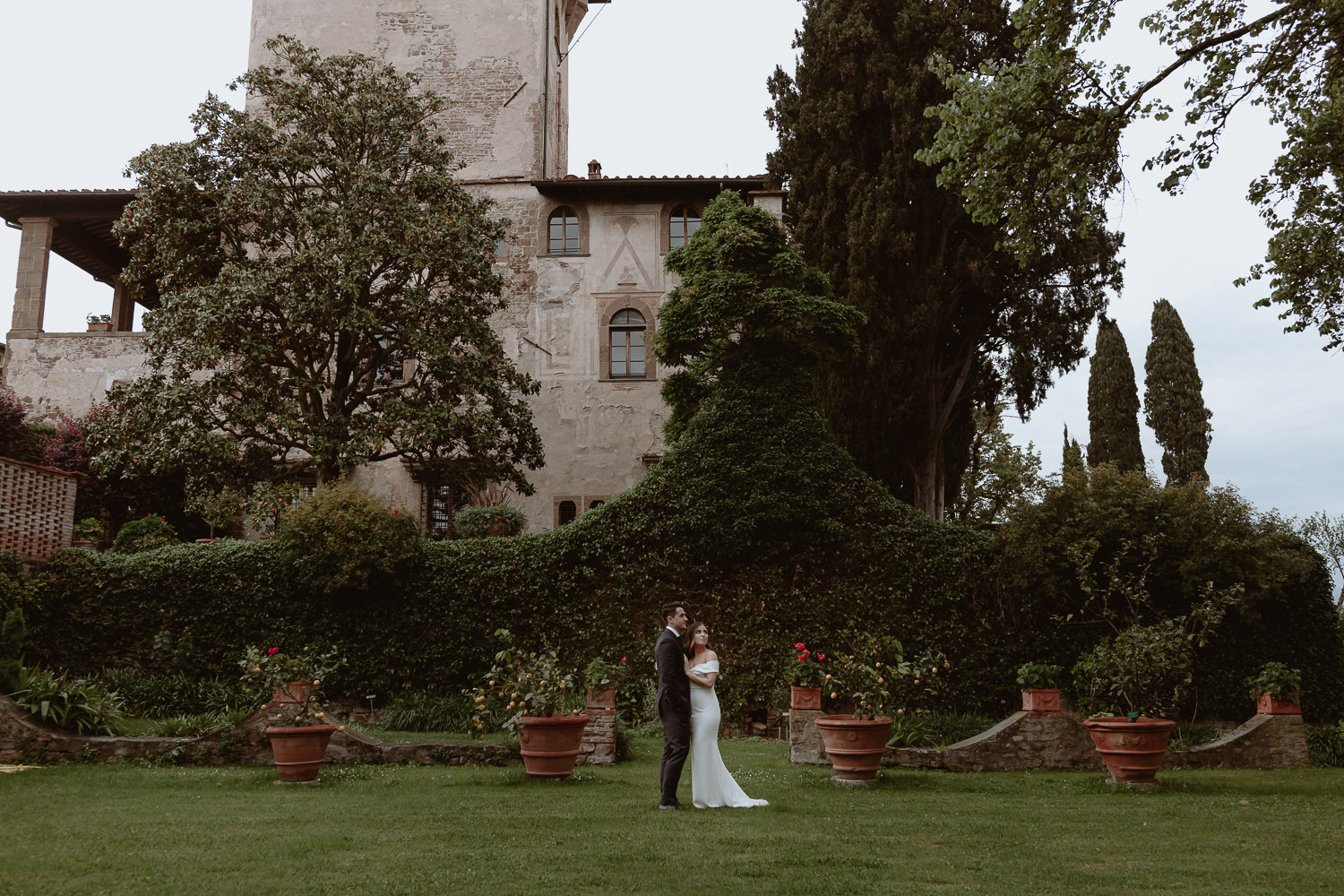 elopement photographer florence torre bellosguardo garden overlooking city wedding photo session