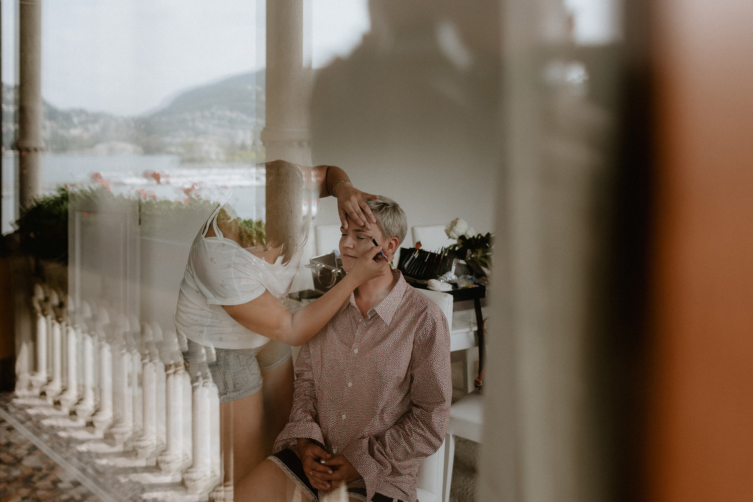 lake como wedding photographer bride bridal party getting ready