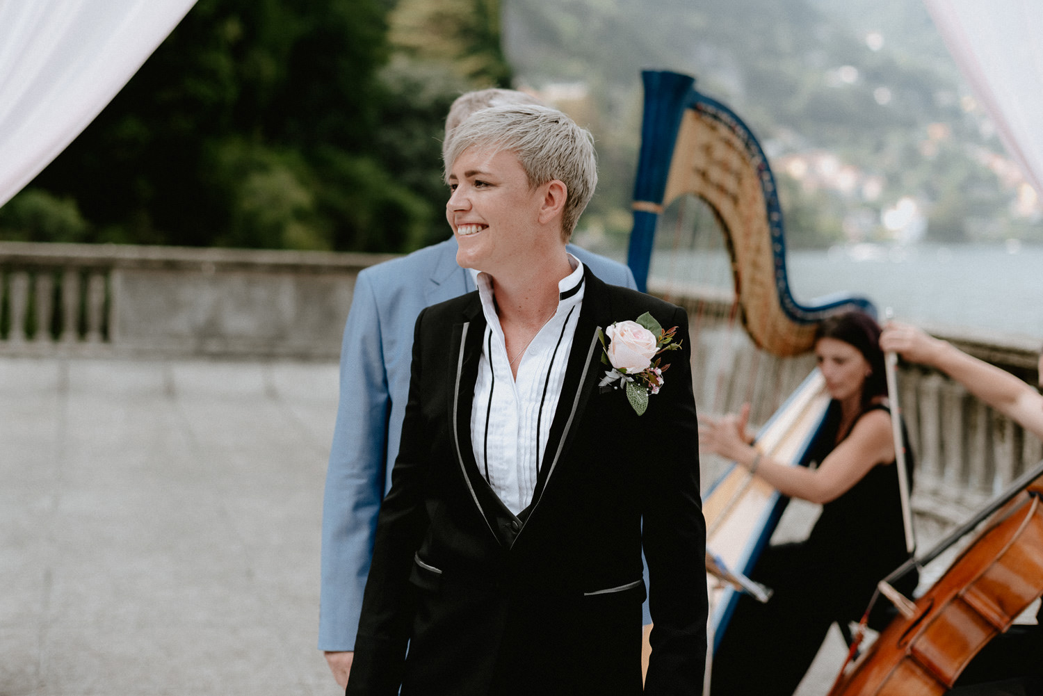 lake como wedding photographer villa pizzo outdoor wedding ceremony