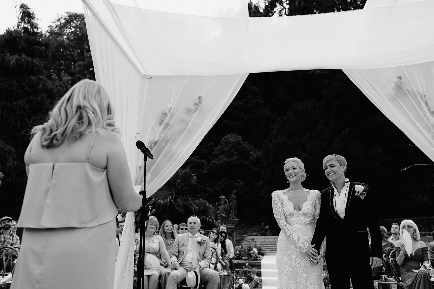 lake como wedding photographer villa pizzo outdoor intimate wedding ceremony