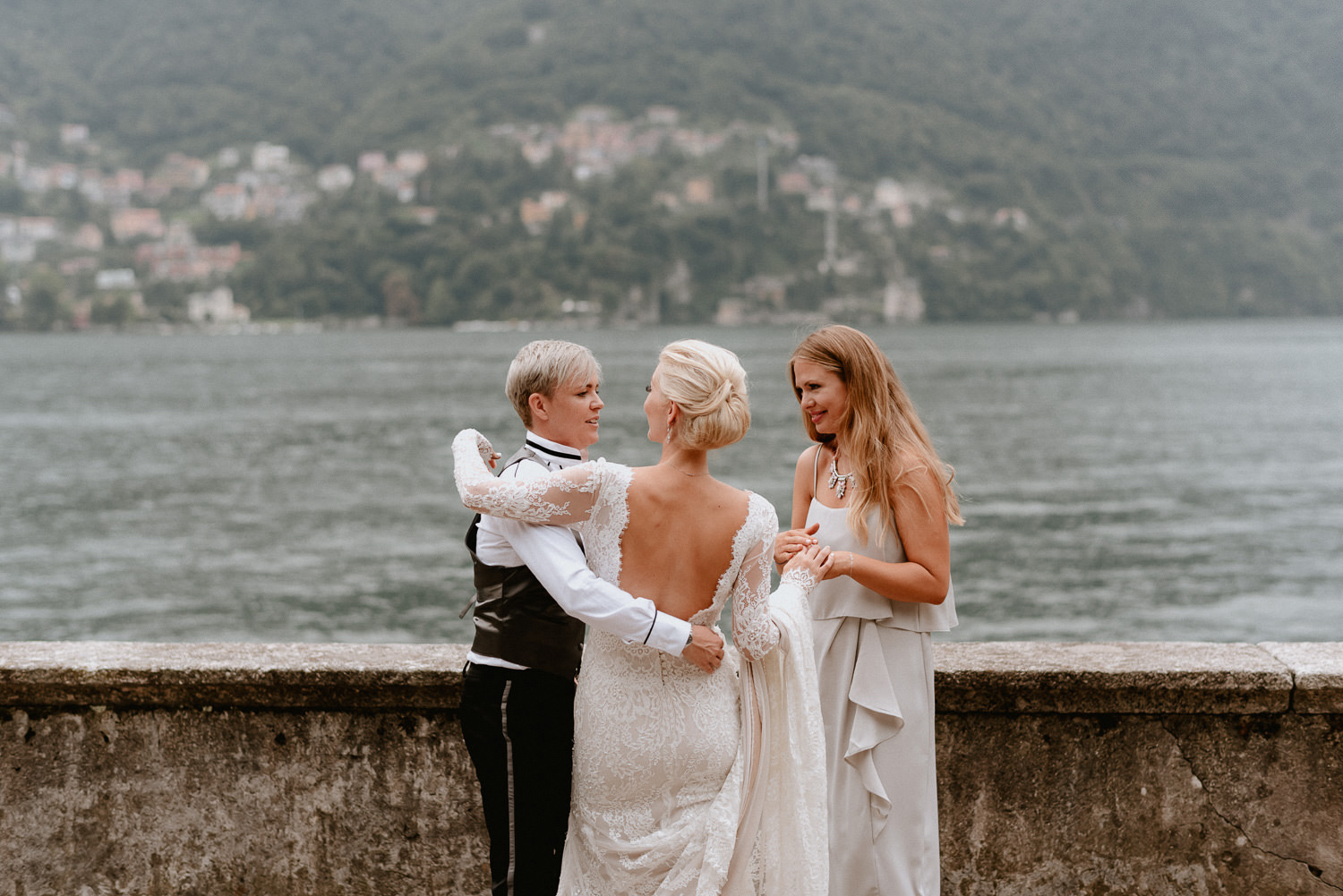 lake como wedding photographer villa pizzo outdoor cocktail party reception aperitif
