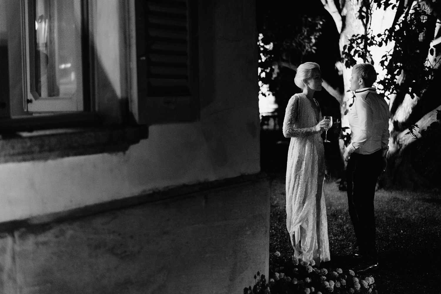lake como wedding photographer villa pizzo dance party