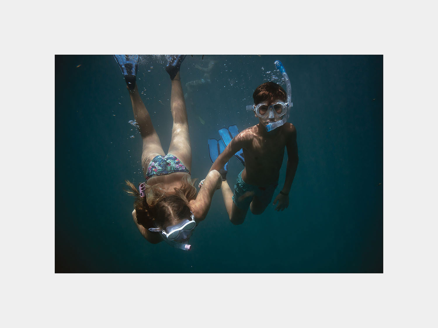 wedding photographer in maldives anniversary trip cocoon last day snorkeling excursion