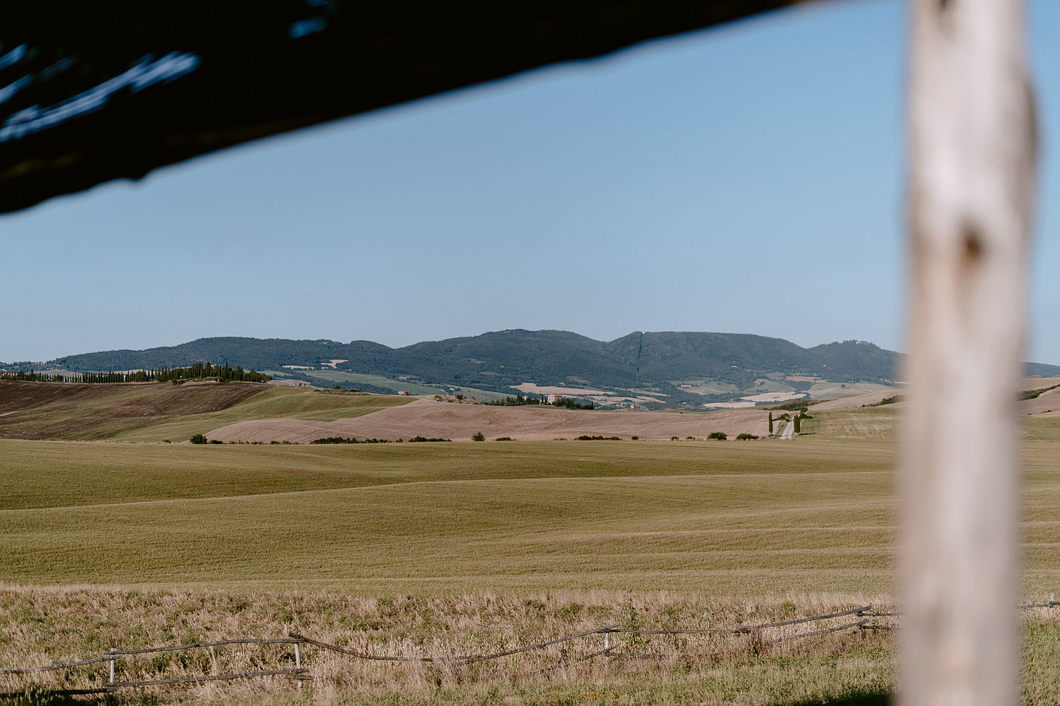 Wedding Inspiration Tuscan Rolling Hills val d orcia locanda in tuscany rolling hills view