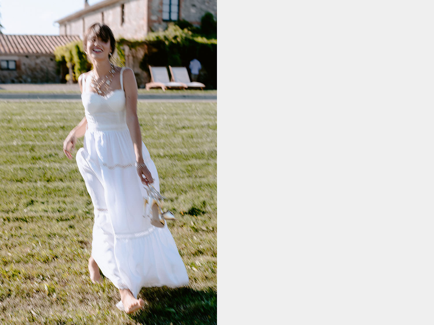 editorial Wedding Inspiration Tuscan Rolling Hills bride in andreia cruz dress and oro due on pool