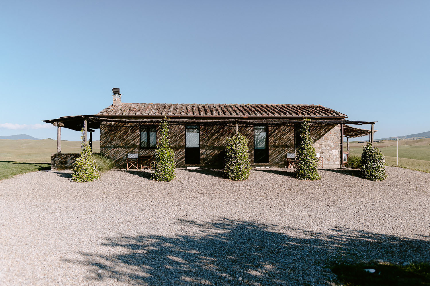 Wedding Inspiration Tuscan Rolling Hills val d orcia locanda in tuscany
