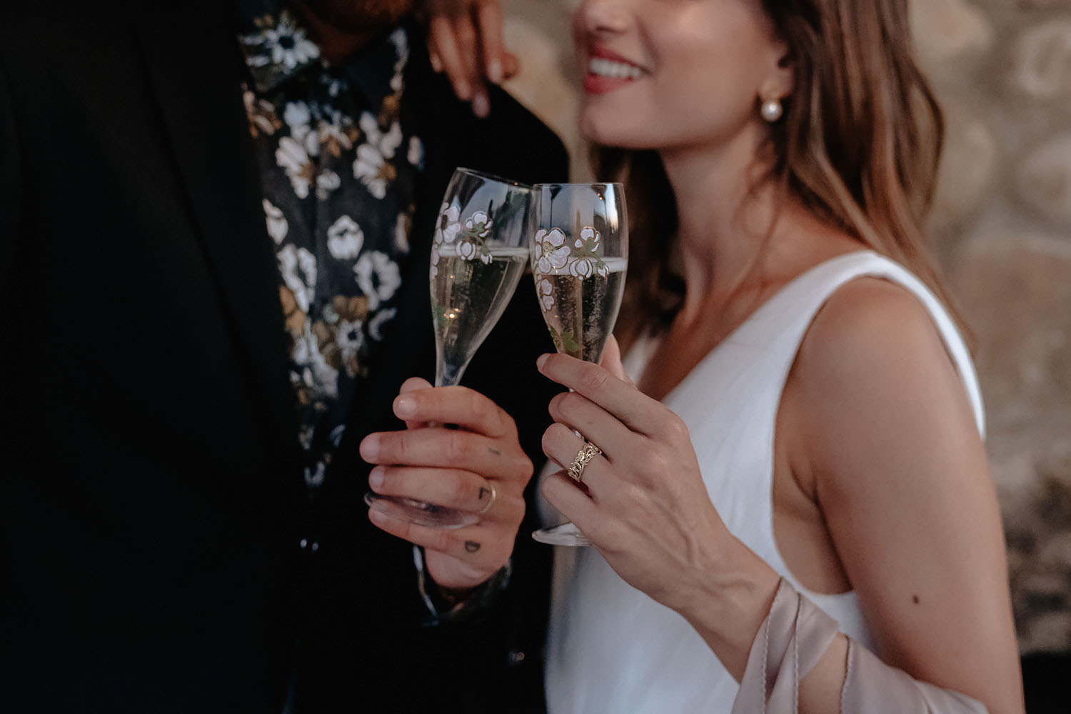 intimate Wedding Inspiration Tuscan Rolling Hills bride groom chers champagne sunset