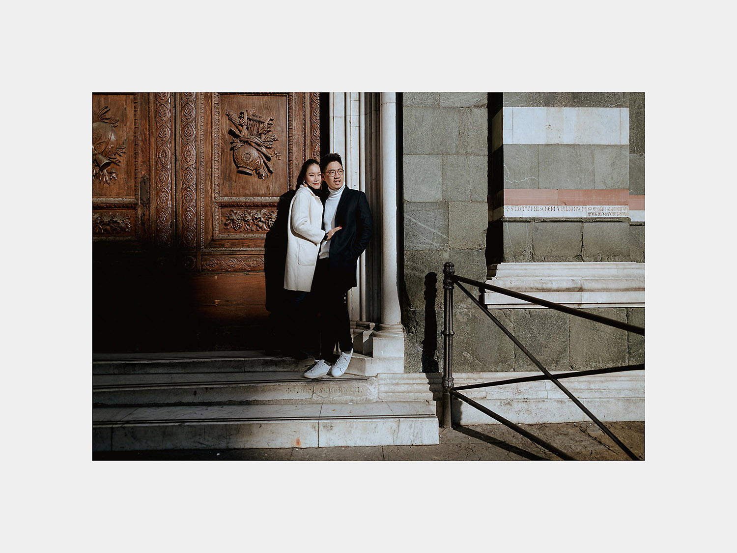 pre wedding photos in florence best couple photographer duomo cattedrale santa maria del fiore