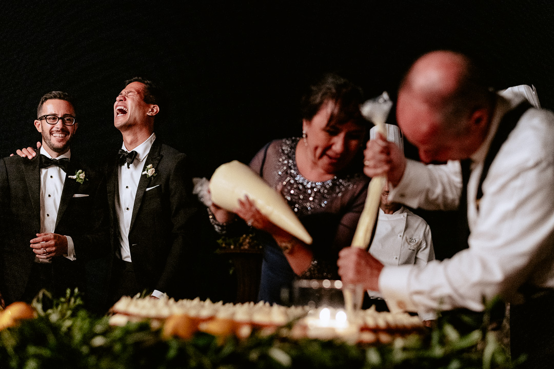 let we prepare the wedding cacke for you